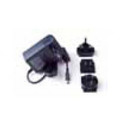 Zasilacz używany do zasilania kamery z sieci elektrycznej , lub do ładowania baterii. (T910814)